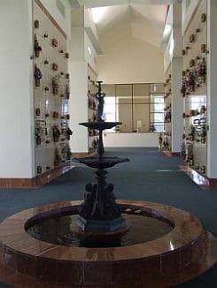 995907-Salisbury_Memorial_Park_Chapel__Mausoleum_(1)_(Mobile)